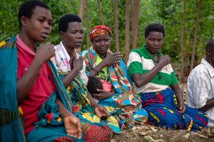 Savings For Life program beneficiaries in Kibuye, Burundi.